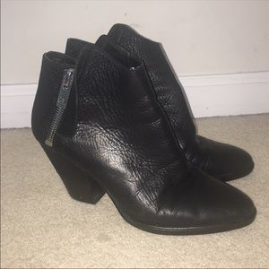 Dolce Vita black leather zip ankle boots booties